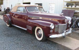 `41 Cadillac Series 62 Convertible Coupe: Pre-War Elegance!